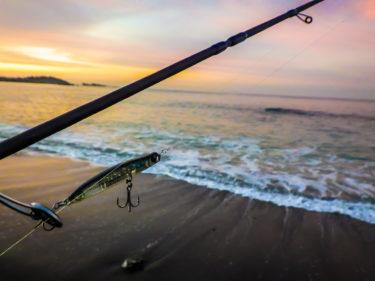 【初心者必読】三浦半島のサーフメバリング(砂メバル)釣行で必須の装備品はコレ!