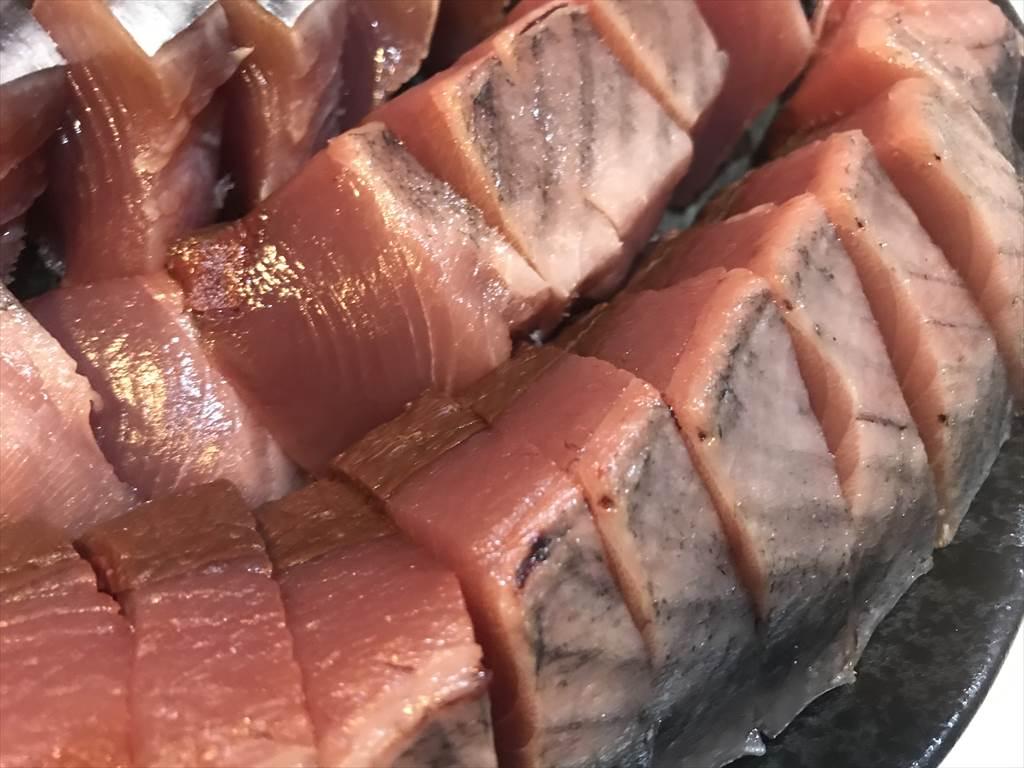 釣ってきた本カツオを厳重ラッピングで美味しく食べる!