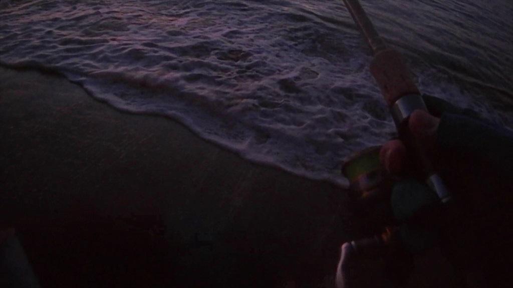 三浦半島サーフの朝マズメにシーバス反転バイト!