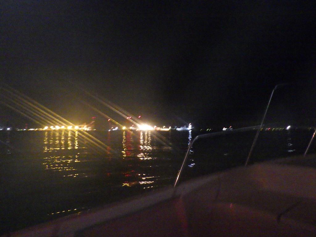横浜ボートアジング!ボトムにデカアジはいる!